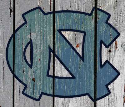 Mixed Media - The North Carolina Tarheels W6c by Brian Reaves
