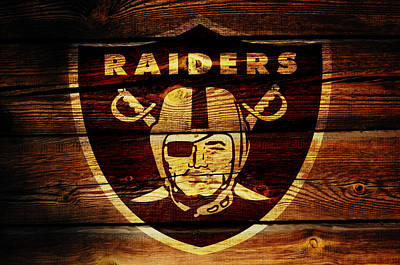 Patriot Mixed Media - The Oakland Raiders W1 by Brian Reaves