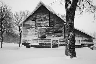 Photograph - The Old Barn by Julie Lueders