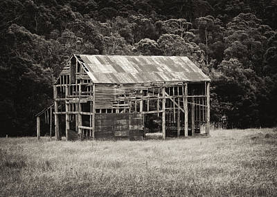 Photograph - The Old Barn by Nicholas Blackwell