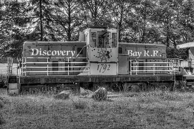 Photograph - The Old Engine by Richard J Cassato
