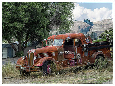 Photograph - The Old Fire Truck by Lynn Wohlers