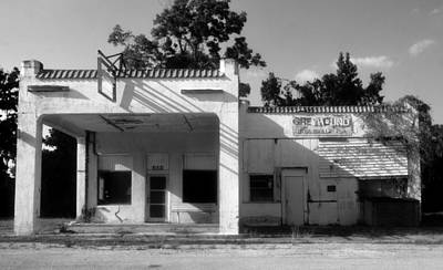 Old Bus Stations Photograph - The Old Greyhound Station by David Lee Thompson