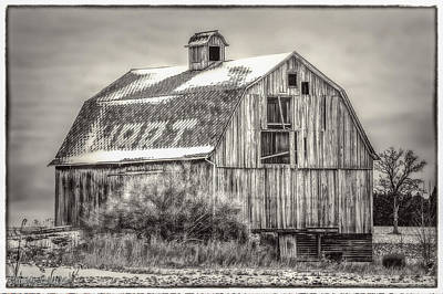 Photograph - The Old Red Barn Black And White by LeeAnn McLaneGoetz McLaneGoetzStudioLLCcom