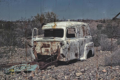 Photograph - The Old Rusty Panel Truck by Jim Thompson