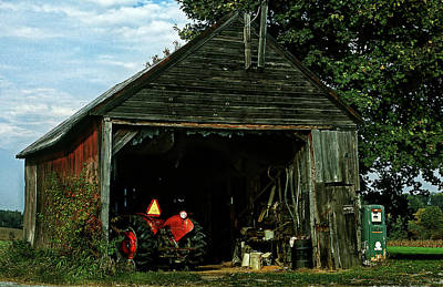 Photograph - The Old Shed by Mike Flynn