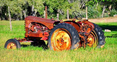 Photograph - The Old Tractor In The Field by David Lee Thompson