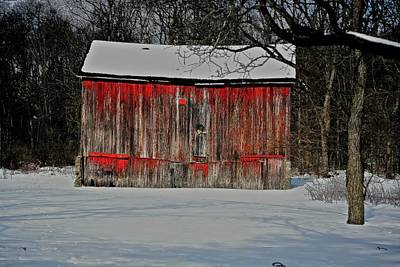 The Old Weathered Barn Print by Robert Pearson