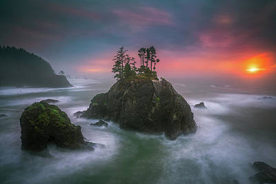 Photograph - The Oregon Coast Sunset by William Freebilly photography