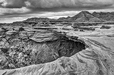 The Overhang - Black And White - Toadstool Geologic Park Art Print by Nikolyn McDonald