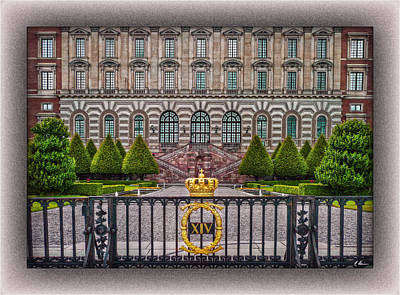Photograph - The Palace Courtyard by Hanny Heim