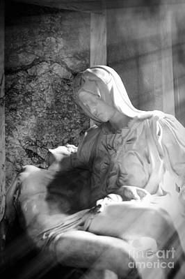 Carrara Marble Wall Art - Photograph - The Passion Of The Christ by Stefano Senise
