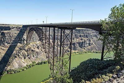 Photograph - The Perrine Memorial Bridge by Jim Thompson