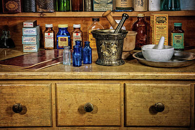 Photograph - The Pharmacist Workstation by Ken Smith
