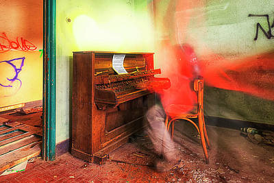 Photograph - The Piano Player by Enrico Pelos