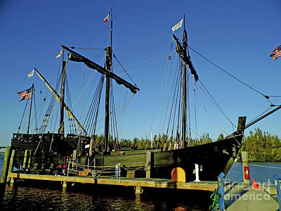 Photograph - The Pinta by D Hackett