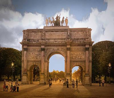Arc De Triomphe Du Carrousel Wall Art - Photograph - The Place Du Carrousel by Mary Lynn Giacomini