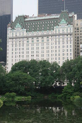 Photograph - The Pond In Central Park And The Plaza Hotel by Christopher Kirby