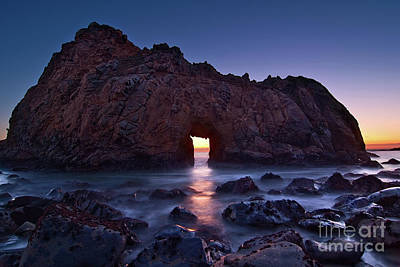Rock Wall Art - Photograph - The Portal - Sunset On Arch Rock In Pfeiffer Beach Big Sur In California. by Jamie Pham