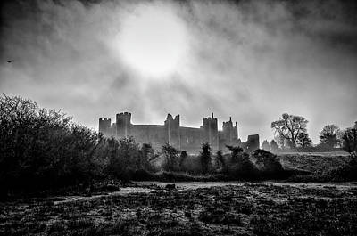 Greenman Photograph - The Prevailing Sun. A Fine Art Photographic Print Of Framlingham Castle On A Foggy Suffolk Morning. by Lee Thornberry