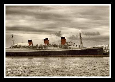 Eric Decker Photograph - The Queen  by Eric Decker