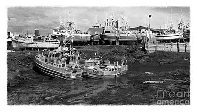 The Real Alaska - Caught At Low Tide Art Print
