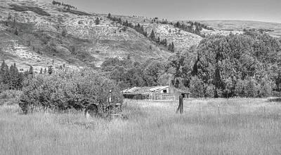 Photograph - The Riceville Farm by Richard J Cassato