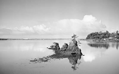 Photograph - The Rocks At Taft by HW Kateley