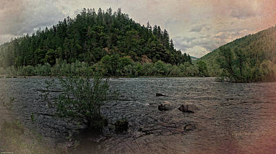 Photograph - The Rogue River At Carpenter Island by Mick Anderson