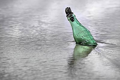 Mobile Al Photograph - The Romantic Coke Fan by JC Findley