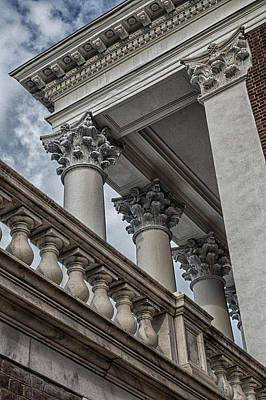 Wall Art - Photograph - The Rotunda by Cliff Middlebrook
