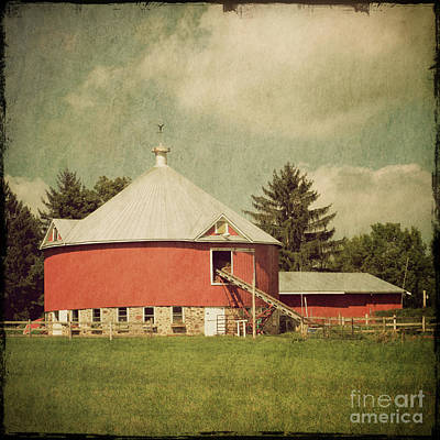 Round Barn Photograph - The Round Barn by Joel Witmeyer