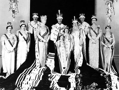 The Royal Family Poses For The Official Art Print