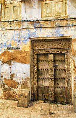 Photograph - The Rustic Door by Amyn Nasser