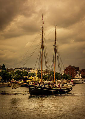 Photograph - The Sailboat by Andrew Matwijec
