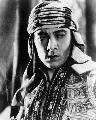 The Sheik, Rudolph Valentino, 1921 Art Print by Everett