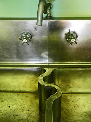 Vivid Color Photograph - The Sink by Elizabeth Hoskinson