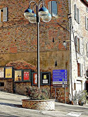 Photograph - The Smallest Roundabout In Umbria by Dorothy Berry-Lound