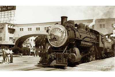 Photograph - The Southern Pacific's Santa Cruz Suntan Special Circa 1947 by California Views Mr Pat Hathaway Archives