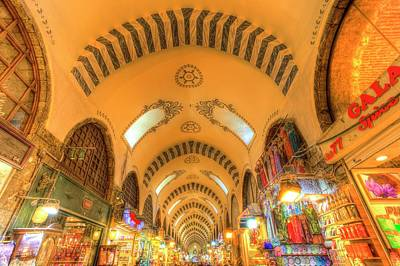 Photograph - The Spice Bazaar Istanbul Turkey by David Pyatt