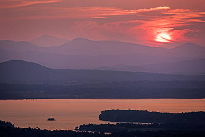Photograph - The Sun Goes Down Over Lake Champlain And The Adirondacks From Mount Philo Charlotte Vermont by Toby McGuire