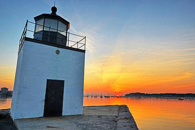 Photograph - The Sun Rises On Derby Light In Salem Ma Salem Harbor by Toby McGuire