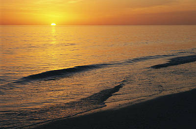 The Sun Sinks Into The Gulf Of Mexico Print by Klaus Nigge