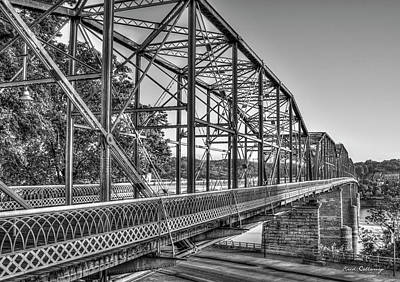 Photograph - The Suns Glow Bw Walnut Street Pedestrian Bridge Art Chattanooga Tennessee by Reid Callaway