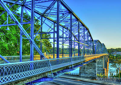 Photograph - The Suns Glow Walnut Street Pedestrian Bridge Chattanooga Tennessee by Reid Callaway