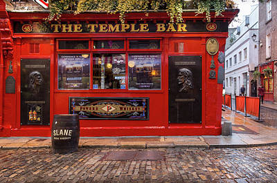Photograph - The Temple Bar In Dublin by Georgia Fowler