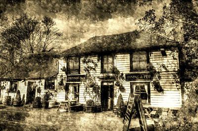 Photograph - The Theydon Oak Pub Vintage by David Pyatt