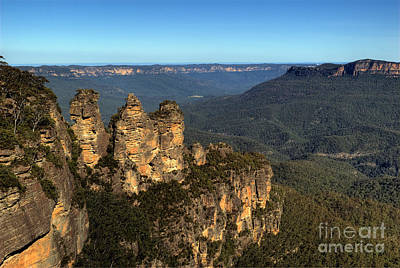 Photograph - The Three Sisters Echo Point Katoomba by David Iori