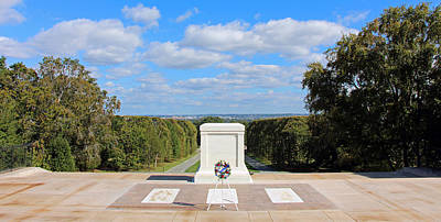 Photograph - The Tomb Of The Unknown Soldiers -- Known But To God by Cora Wandel