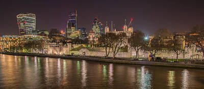 Photograph - The Tower Of London by Gary Lengyel